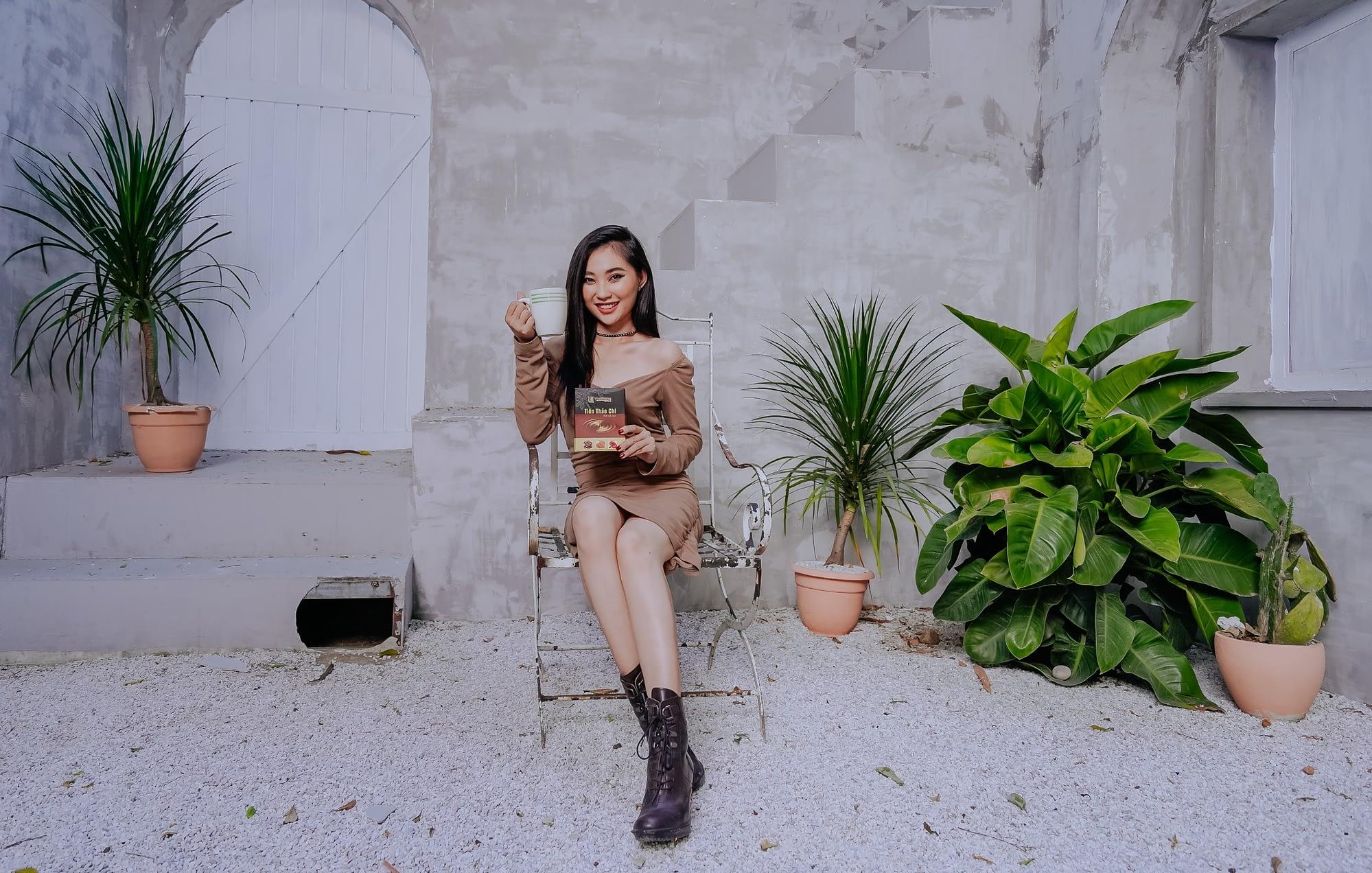Người mẫu chụp ảnh quảng cáo